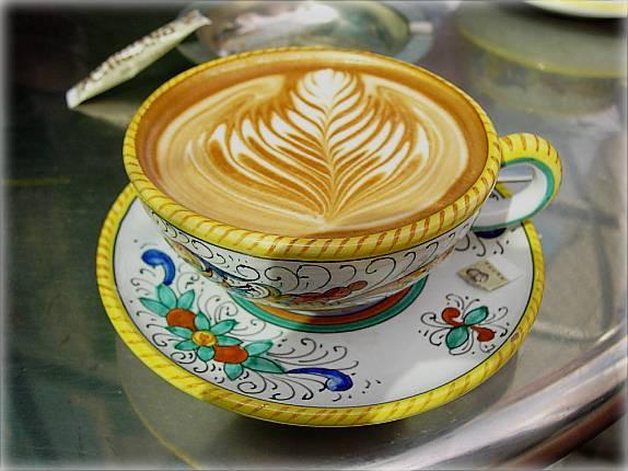 Caffe_Artigiano_Latte.jpg